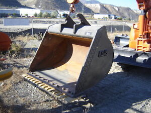 "ZX200 CWS 60"" CLEAN-UP BUCKET, EXCELLENT CONDITION 250-573-5733"
