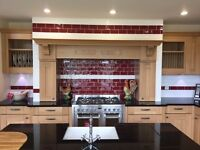 Mereway Oak Traditional kitchen - very large kitchen with superb features - EX Display
