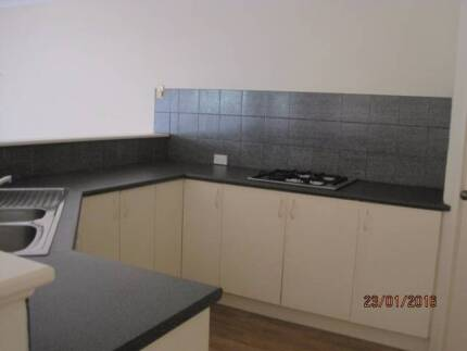 A two bedroom house in Joondalup City, Walk to the train, ECU