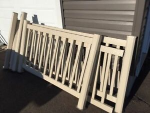 Fiberon decking 7'X9' (Mint Condition), stairs comes with it too