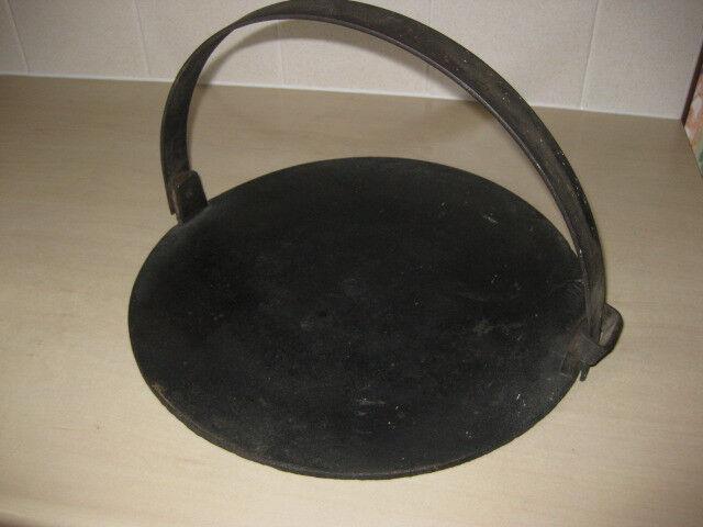 Scottish Girdle (for cooking Scottish pancakes/drop scones etc}
