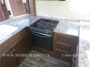 **HUGE FRONT KITCHEN**COUPLES PARK MODEL FOR SALE **CLEARANCE** Kitchener / Waterloo Kitchener Area image 6