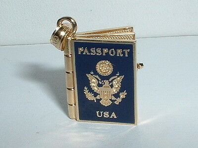 14K YELLOW GOLD 3D UNITED STATES TRAVEL PASSPORT PENDANT CHARM - opens