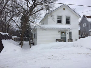 GREAT 2 STOREY HOME!