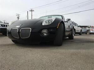 2006 Pontiac Solstice Convertible leather DVD VERY LOW KM