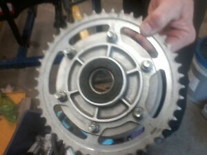 wanted rear hub 5 or 6  bolt 6 finger cush needed rite pic now