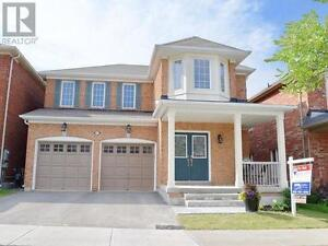 551 Forsyth Farm Dr Whitchurch-Stouffville Ontario Must see  hou