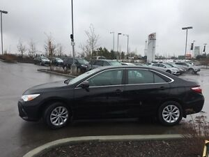 2016 Toyota Camry LE Backup Cam, USB/ AUX, Bluetooth