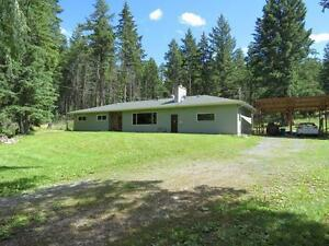 Private rancher 1+acre 25 minutes to Kamloops