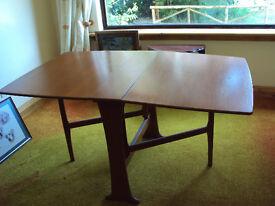 Oak flat leaf dining room table