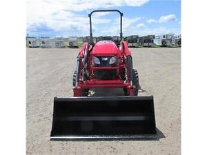 New TYM T354 - 35 HP Ranch Tractor w. ROPS & Front Loader Edmonton Edmonton Area image 15