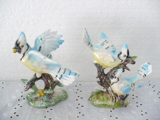 """Beautiful Norcrest set of (2) Blue Jays Figurines 6"""" tall with Label"""