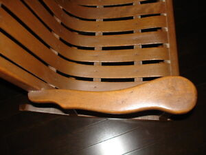 Very beautiful ANTIQUE Bentwood CHILD'S ROCKING CHAIR solid wood Cambridge Kitchener Area image 5
