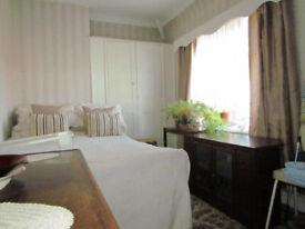 3-4 bedroom semi-detached house to rent near Dagenham Heath station