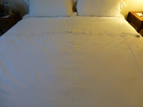"""ANTIQUE VINTAGE WHITE FLAT BED SHEET COVER with CUT WORK turn over 80""""x102"""""""