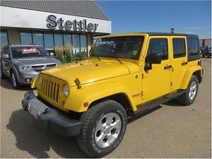 2015 Jeep Wrangler Unlimited Sahara 4x4 LOW KMS!