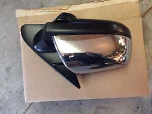 Toyota Tundra Chrome Mirrors (2014/2016)