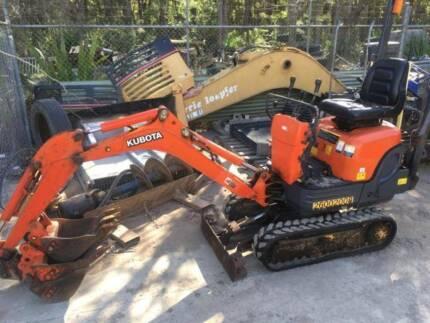 Excavator Kubota K008-3 Expandable Tracks Mud and 2 x GP Buckets