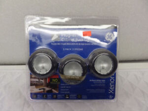 PLUG-IN CABINET PUCK LIGHTS ON SALE... $$$ 15