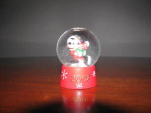 2007 Mickey Mouse JCPenney Christmas Snow Globe