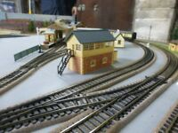 HORNBY MODEL RAILWAY LAYOUT 6FTX4FT