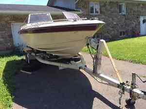 "Trailer 950$ with boat 19"" ( no motor) for free"