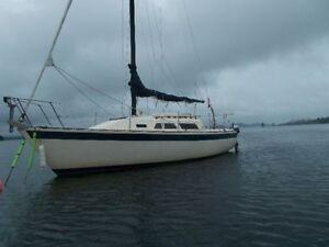 1980 27' Aloha 8.2 Sailboat