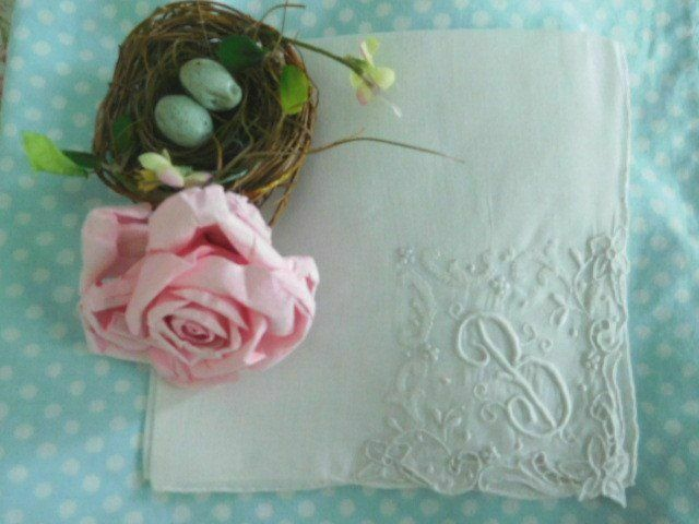 AnTiQuE BRIDAL Monogram B * CUTWORK & Padded EMBROIDERY * Vintage WEDDING HANKY