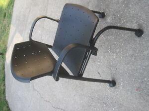 Armchair for sale Kitchener / Waterloo Kitchener Area image 2