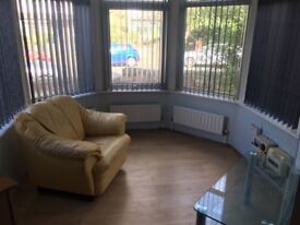 Flat to let in headingley excellent transport links newly renovated new kitchen and bathroom.