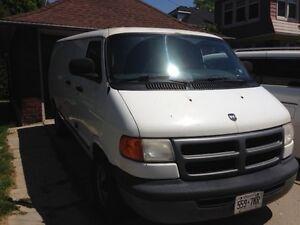2002 Dodge Ram Van Minivan, Van