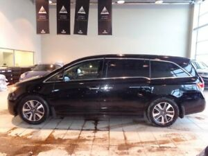 2014 Honda Odyssey Touring - Heated Leather Int, B/U Cam, DVD, P