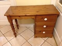 Beautiful solid pine dressing table
