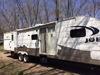 40 foot fully loaded camping trailer