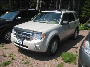 2009 Ford Escape XLT $4999!!