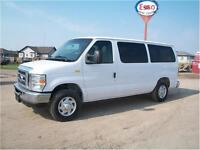 2009 Ford Econoline Wagon XLT ONLY 42K!!