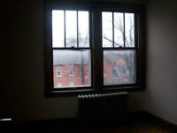 TWO BDRM IN DOWNTOWN FOR RENT $625 + HYDRO -FREE WIFI