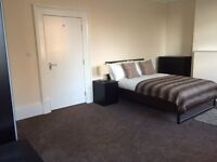 Exciting houseshare, double rooms available! 5mins to Lewisham station.