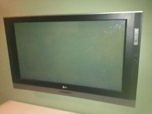LG TV Plasma 42inch Has cracked screen
