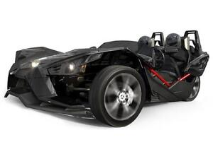 POLARIS SLINGSHOT EN LOCATION.
