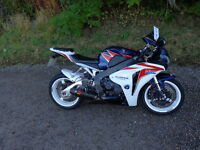 2011 HONDA CBR1000RR FIREBLADE IN HRC COLOURS ONLY DONE 9642 MILES FINANCE AVAILABLE