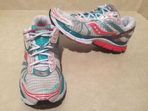 Women's Saucony Triumph 8 Running Shoes Size 9.5 London Ontario image 2