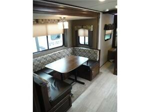 2017 Solaire 240BHS Travel Trailer w Bunkbeds & O/S kitchen Stratford Kitchener Area image 7