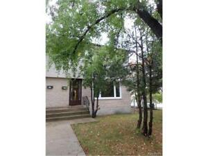 good house with 4 bedrooms near UM,Bus stops,sobeys to rent