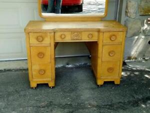 FRENCH VINTAGE VANITY, SHABBY CHIC West Island Greater Montréal image 8