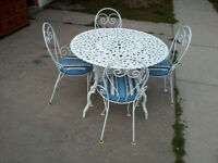 Metal Ice Cream Parlour Table & Four Chairs