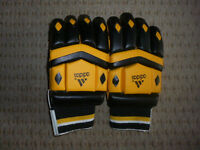 Cricket gloves. Unused. Size medium. 2 Sets - pairs