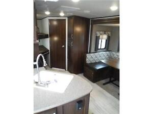 2017 Solaire 240BHS Travel Trailer w Bunkbeds & O/S kitchen Stratford Kitchener Area image 20