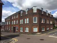2 bedroom 2 bathroom city centre flat St Albans, Hertfordshire with private car parking space