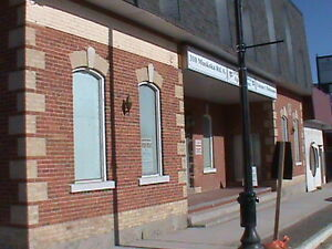 Commercial Space Downtown Gravenhurst- Salon or other possible